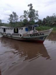 Barco de passageiros/carga **