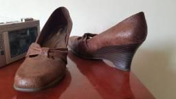Título do anúncio: Desapego sapato com salto Picadilly