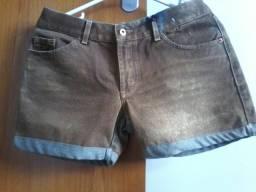 Shorts Jeans Lado Avesso novo tamanho 42