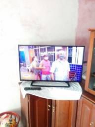 """Tv LED 40"""" Panasonic HD. FAÇO ENTREGA."""