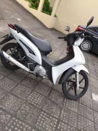 Moto Biz 125/ 5000 km / ano 2014