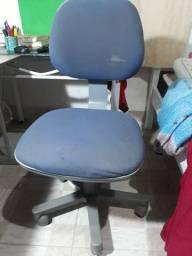 Cadeira de Escritório Usada - Funcionando Tudo!