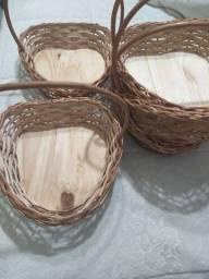 5 cestas em formato de coração