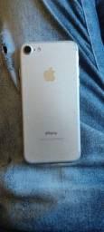 Troco iPhone 7 por outro IPhone mais volta minha .