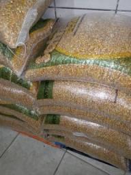 Vendo sacos de milho 25 kilos