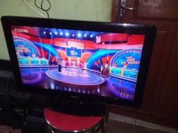 Tv Philips 32 com imagens em hd