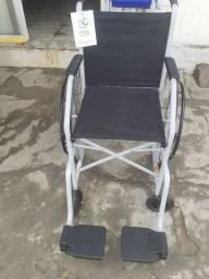 Cadeira de rodas novas e usada