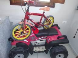 Motociclo e uma bicicleta