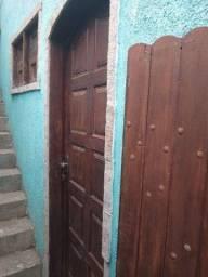 Alugo casa no capote (não paga água nem luz )