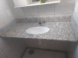 Pedra com pia de banheiro + Espelho