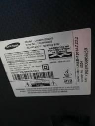TV Samsung 48 polegadas retirada de peças