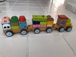 Título do anúncio: Brinquedo trenzinho de madeira