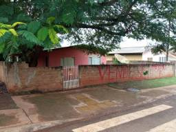 Vendo uma casa tereno 15 por 30 na Av Ivaí esquina com a rua Henrique Ford alto Paraná PR