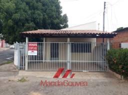 Casa com 2 quartos - Bairro Dom Aquino em Cuiabá