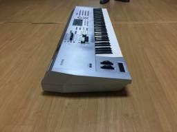 Yamaha Motif Es7 muito conservado