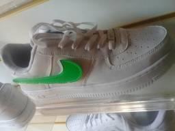 Nike tamanho 41 apenas 50 reais