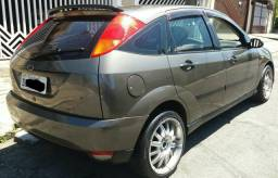 Focus Hatch 2001/2001 - Completo - Doc Ok - 2001