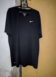 Camisa Dri Fit preta, Tamanho G, usada poucas vezes
