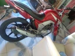 Troco moto em carro financiado pra mim a sumir as prestações