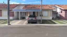 Casa à venda 2 quartos, 2 suítes condomínio Mradas Club em Alvorada