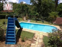 Chácara com lindo lago, piscina, espaço gourmet e linda vista pertinho da cidade