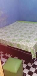 Vendo essa cama box de casal semi nova por motivo de viajem