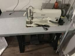 Máquina de costura reta indústrial