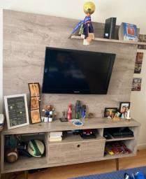 Estante com painél de TV