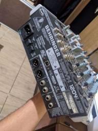 Mesa de som Beringher Xenyx 1204FX USB