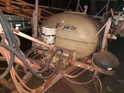 Pulverizador jacto 2000