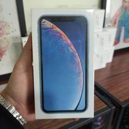 iPhone Xr lacrado na cor azul
