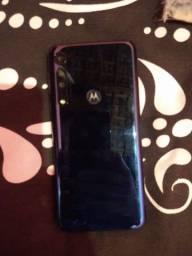 Vende-se um celular Moto G8  one macro só tenhe  dois  mês de uso