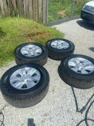 Rodas Hilux 17? com pneus bons