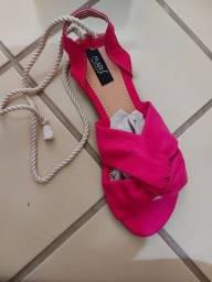 Sandália rosa Pink com amarração na perna