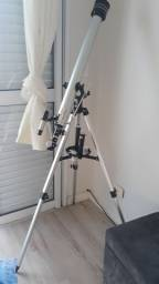 Telescopio astronômico.