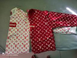 Duas blusa supreme nova