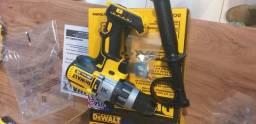 Furadeira e parafusadeira de impacto DEWALT20V  DCD996