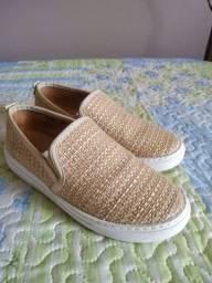 Vendo sapato Slip On nude Corello