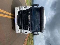 Caminhão Scania P360 2015