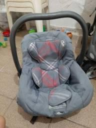 Carrinho de Bebê com Bebê conforto Leia a Descrição
