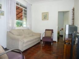 Título do anúncio: Casa à venda, 6 quartos, 3 suítes, 3 vagas, Sagrada Família - Belo Horizonte/MG
