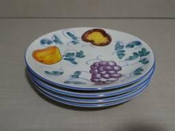 Conjunto de Pratos de Sobremesa em Louça (04 unidades)