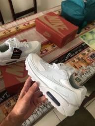 Nike novos na caixa - tam 40 e 34