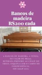 Banco de Madeira.