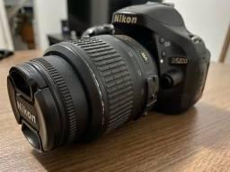 Nikon D5200 + lente 18-55mm