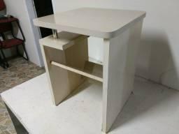 Mesa de canto 45x45x60alt