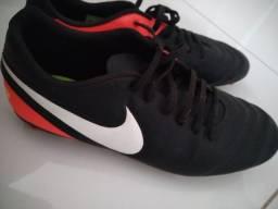 Título do anúncio: Chuteira Nike Tiempo Original Campo Tamanho 43