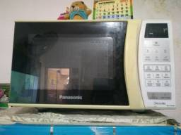 Título do anúncio: Vendo microondas Panasonic 21L