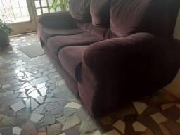 Vendo sofá 3 lugares 200 reais