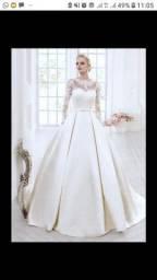 Vendo vestido de noiva lindo tamanho 38 ao 46 acompanha saia de armação